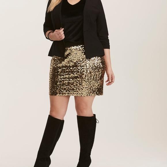 6c2f2a6892d5a NWT Torrid Gold Sequin Stretch Mini Skirt 2X